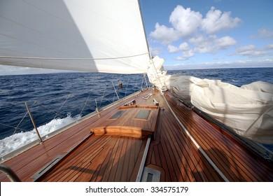 Sailboat details during navegaion
