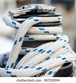 Sailboat winch and rope