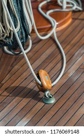 Sailing boat pulley with nautical rope