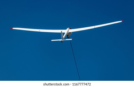 Sailplane taking off using a winch