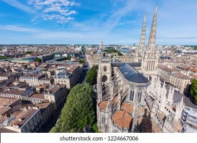 Saint Andre Cathedral on Place Pey-Berland in Bordeaux . Bordeaux, Nouvelle-Aquitaine, France.