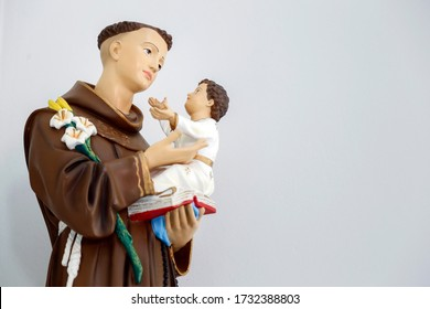 saint Anthony of lisbon or St. Anthony de padua and baby Jesus catholic church image