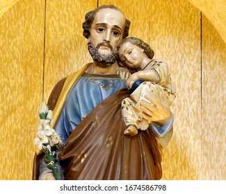 Saint Joseph and baby Jesus of the Catholic Church, husband of the Virgin Mary, father of Jesus - Sao Jose - Menino Jesus - St Joseph