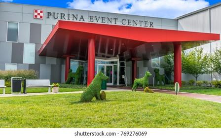 Saint Louis, MO USA - 08/28/2015 - Purina Event Center