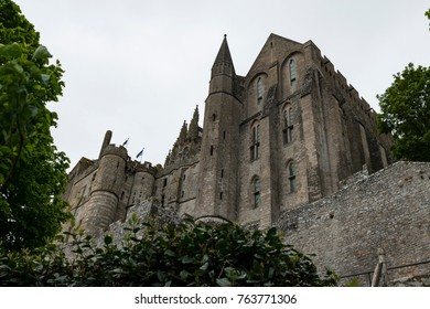 The Saint Michael's Mount (Le Mont Saint Michel) is a touristic highligt of the Normandy, France. It's a small island commune taht is famous for it's abbey an Unesco World Heritage Site.