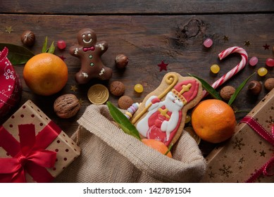 Saint Nicholas cookies with gifts