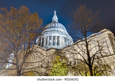 Saint Paul Cathedral located at London, England