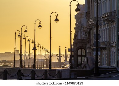 Saint Petersburg. The Palace Embankment. A divorced bridge. Morning in Petersburg. Cities of Russia. White nights in St. Petersburg. Embankment with lanterns.