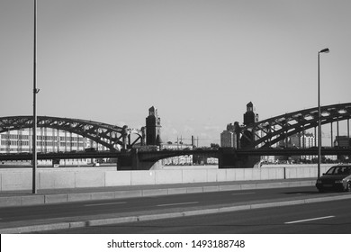 Saint Petersburg, Russia - 20 september 2015 - Bolsheokhtinsky bridge of the Peter 1911 cross Neva river. Black and white photo