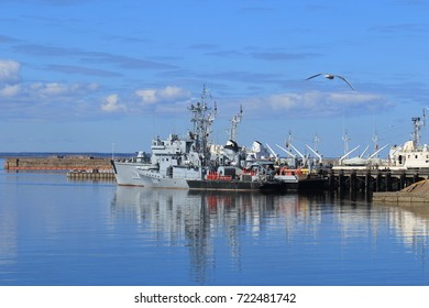 Saint Petersburg, RUSSIA - MAY 04, 2017: RT-248 RAID minesweeper project 10750 tail number 348 and BT-115 basic minesweeper project 12650 Board room 515 at the pier in Kronstadt