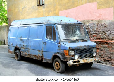 SAINT PETERSBURG, RUSSIA - MAY 26, 2013: Deserted Mercedes-Benz T1 cargo van at the city street.