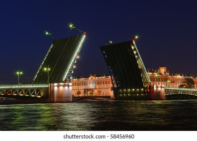 Saint Petersburg, Russia, night view of Drawbridge Dvortsoviy.