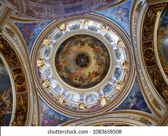 Saint-Petersburg, RUSSIA - Apr 27 2018,  interior of Saint Isaac's Cathedral (Isaakievskiy Sobor).