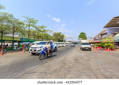 SAKAEO, THAILAND - APRIL 30,2016 : People in Rong Kluea market on April 30, 2016 in Sakaeo, Thailand. Rong Kluea market is renowned for second hand, craft and brandname apparels at bargained prices.