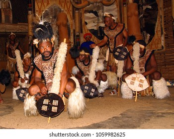 SAKALAND-NOVEMBER 27 : Unidentified Zulu dancers wear traditional Zulu clothing, during presentation of a Zulu show on November 27, 2010 Shakaland Zulu Cultural Village, KwaZulu-Natal, South Africa