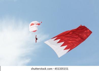 SAKHIR AIRBASE, BAHRAIN - JANUARY 22, 2016:  BDF Special Forces Parachute Display Team performs in Bahrain International Airshow