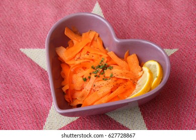 Salad of carrots with lemon