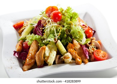 Salad with Chicken, Tomatoes and Cucumbers
