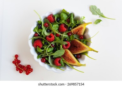 Salad with fresh fruits and vegetables