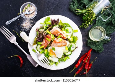 salad with fried tuna and egg , diet salad