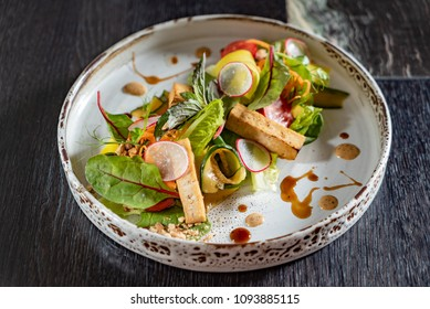 salad with grilled tofu