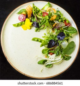 Salad of juicy herbs and vegetables with Dijon dressing