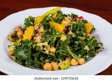 Salad with kinoa and orange