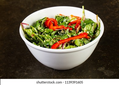 Salad with kinoa and vegetables