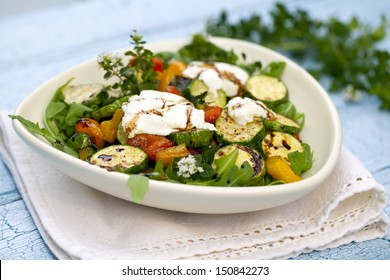 Salad of roast zucchini and goat cheese