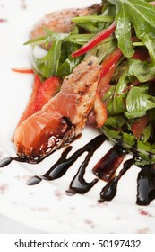 Salad with a salmon and balsam sauce