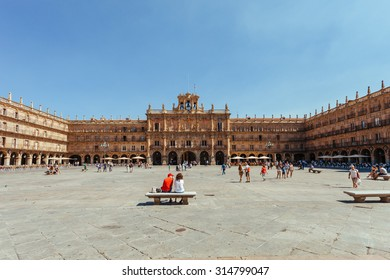 SALAMANCA, SPAIN -? AUGUST 7: Plaza Mayor of Salamanca on August 7, 2016 in Salamanca, Spain. Salamanca is a famous destination in Spain that holds the oldest university of the country.