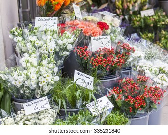 Sale of various flowers in the flower market
