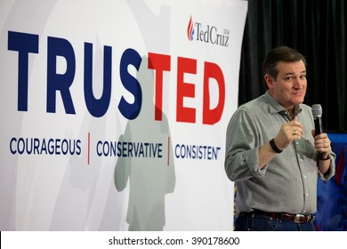 SALEM, NH - FEBRUARY 5: Senator Ted Cruz (R-TX) makes a humorous point during a Town Hall event on February 5, 2016 in Salem, NH.
