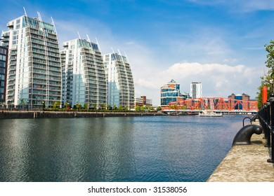 Salford Quays Modern Apartment