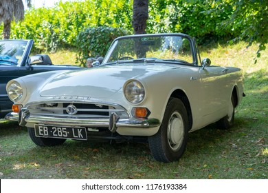 SALIES DE BEARN, FRANCE - SEPTEMBER 8, 2018: Old retro vintage classic car at Retro Cars Show