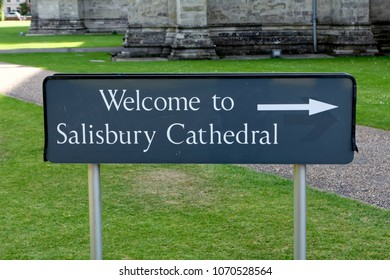 Salisbury, Wiltshire, UK - August 27, 2013: Welcome to Salisbury Cathedral Sign in the cathedral close
