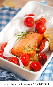 Salmon Baked with tomatoes and rosemary