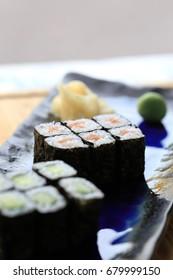 salmon and cucumber hosomaki