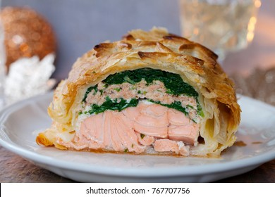Salmon en croute with spinach and salmon mousse