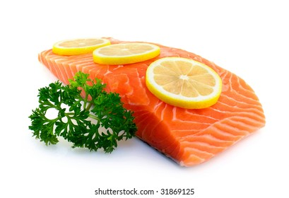 Salmon fillet with parsley and lemon