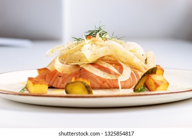 Salmon fillet with salad of fennel