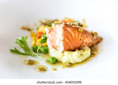 Salmon grilled with Mashed potato and vegetable