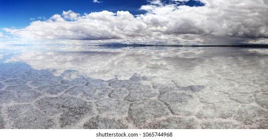 Salt Lake Uyuni (bolivia) - HDR panorama