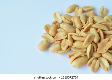 Salted peanuts Put on a white background