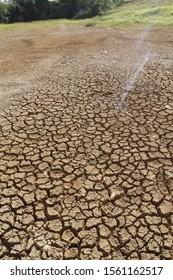 SALVADOR, BAHIA / BRAZIL - April 16, 2013: Long rainless period leaves the lagoon dry on Avenida Luiz Viana. (SHUTTERSTOCK / Joa Souza).