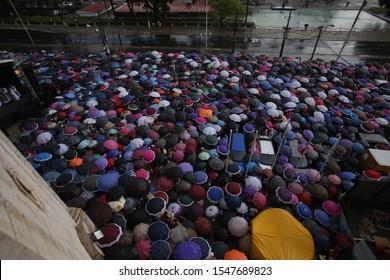 SALVADOR, BAHIA / BRAZIL - March 24, 2019: Catholics perform the Penintential Walk during Lent (ISTOCK / Joa Souza).