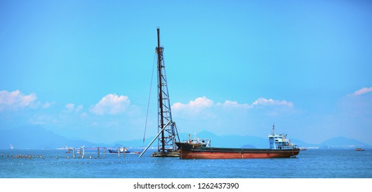 Salvage the lifting arm on the ship