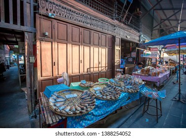 Sam Chuk Market - Suphan Buri: 20 April 2019, the atmosphere in the community has many products for tourists to choose in Amphoe Sam Chuk, Thailand