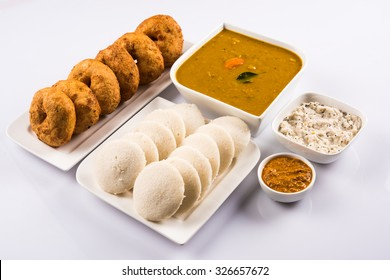 Sambar Vada & Idli served with coconut and red tomato chutney