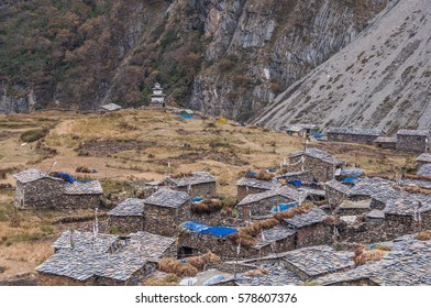 Samdo village, at the north-eastern high  of Buri Gandaki valley, on Manaslu Circuit route as seen from a high view point above the village, Manaslu Himal,  Gorkha district, Nepal Himalayas, Nepal